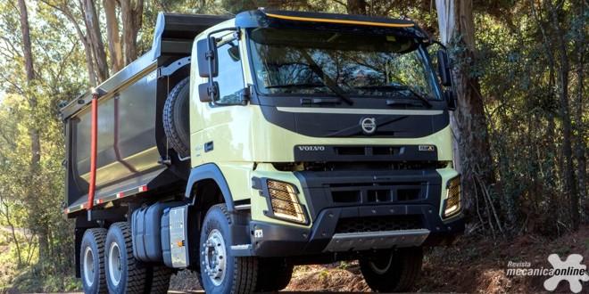 Volvo lança FMX com controle automático da tração dianteira: mais dirigibilidade e economia