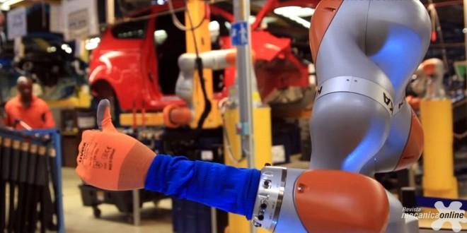 Ford Europa testa robôs colaborativos preparando-se para a quarta revolução industrial