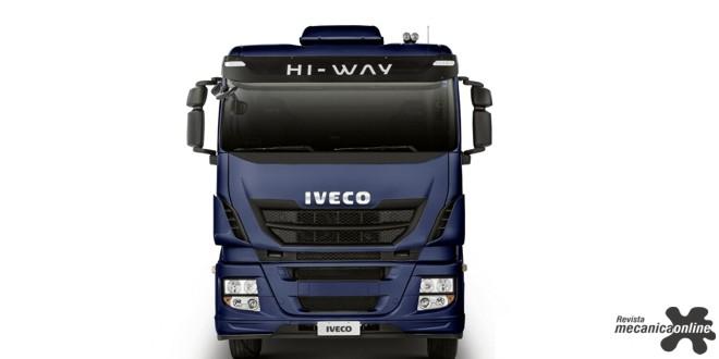 IVECO Hi-Way na pista durante a Feira do Caminhoneiro 2017