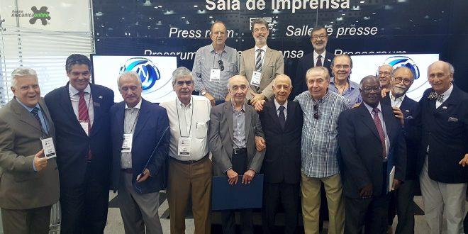 Anfavea homenageia Pioneiros da Comunicação Empresarial da indústria automobilística brasileira