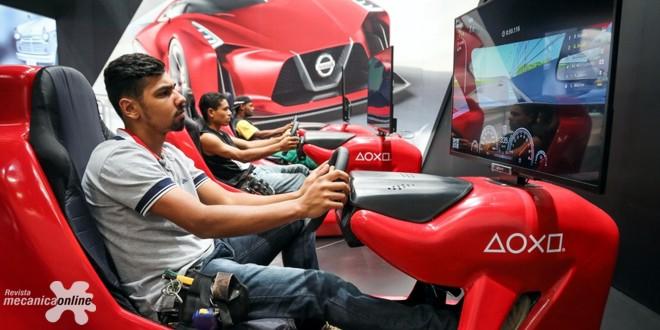 Experiências interativas dão boas-vindas aos visitantes do estande da Nissan no Salão do Automóvel de São Paulo