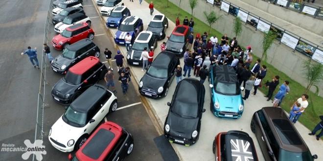 MINI Parade reúne fãs da marca no Salão do Automóvel de São Paulo 2016