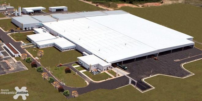 Toyota do Brasil anuncia expansão da sua fábrica de Porto Feliz (SP)  para produzir motores para o sedã Corolla