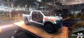 """""""Nascido para baja"""", Ford mostra vídeo inédito da F-150 Raptor em realidade virtual e em imagens sensacionais"""