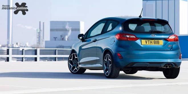 Ford apresenta a versão final do GT, o Mustang e o Fiesta ST no Salão de Genebra