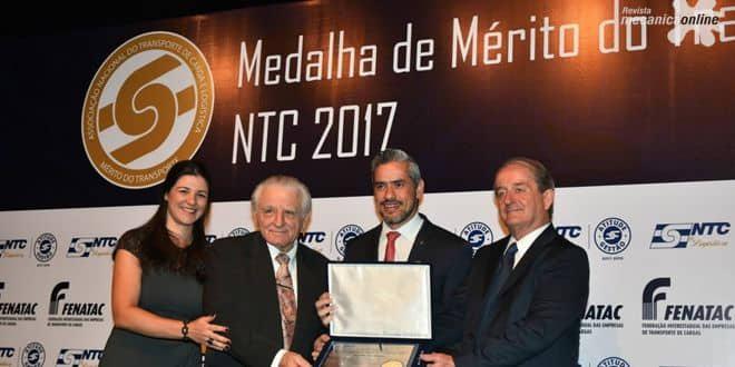 Scania recebe honraria especial pelos 60 anos de Brasil
