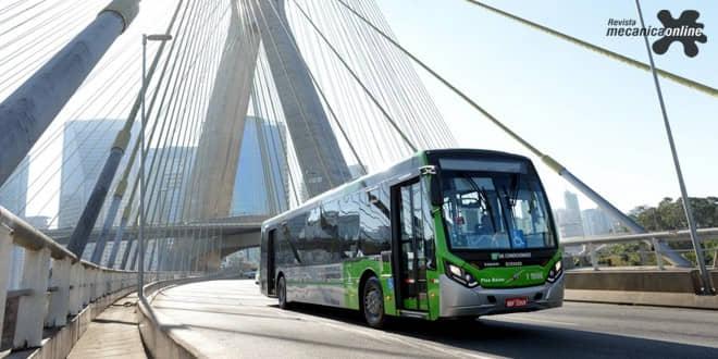 Volvo lança B8R, novo ônibus urbano