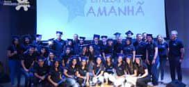 Mercedes-Benz do Brasil investe no desenvolvimento profissional de jovens aprendizes
